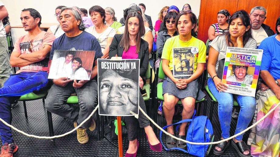 El reclamo de la familia durante el segundo juicio. Fotos: Marcelo Ochoa