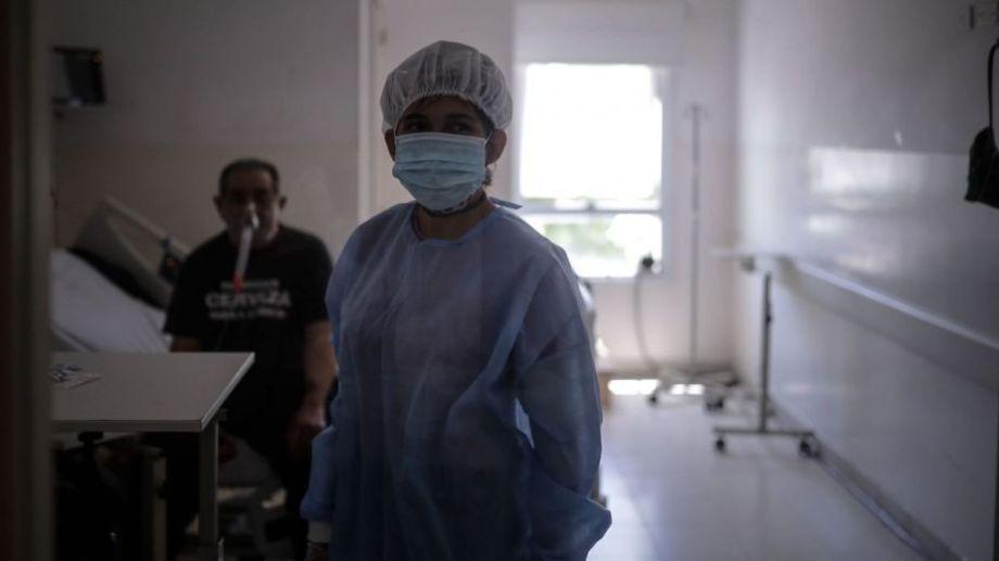 Las Terapias Intensivas siguen colapsadas, a pesar de la leve baja de contagios.-