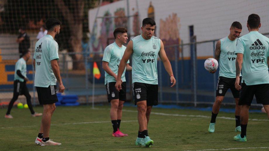 El zurdo fue una de las figuras contra Uruguay y pelea un puesto con Nicolás Tagliafico.