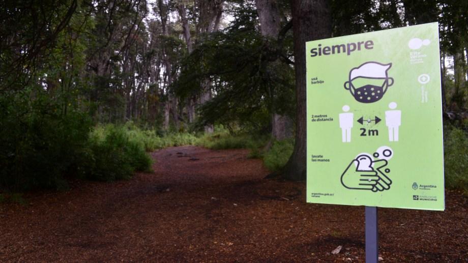 Hay una variedad enorme de senderos en el parque Llao Llao (Foto: Chino Leiva)