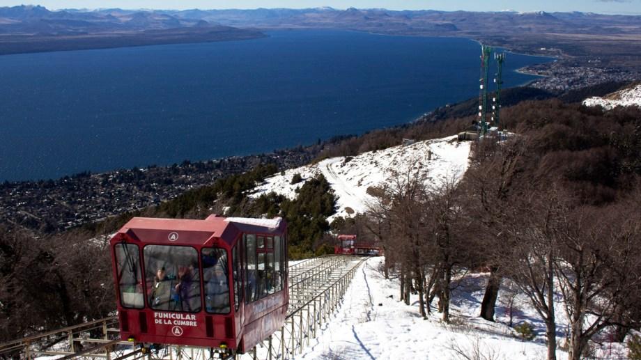 Se aguarda que la gobernadora Arabela Carreras le ponga fecha al inicio de la temporada invernal en toda la provincia. Foto: Gentileza Teleférico Cerro Otto