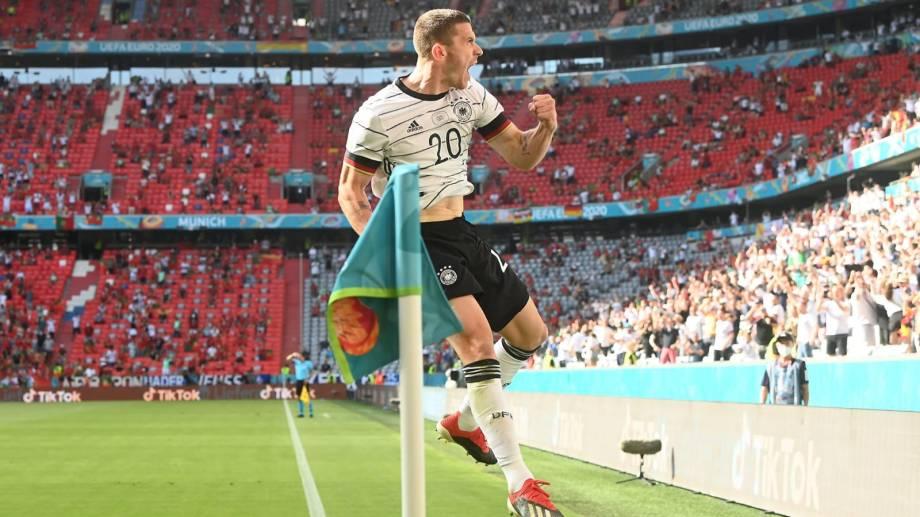 Gosens fue la figura de Alemania contra Portugal.