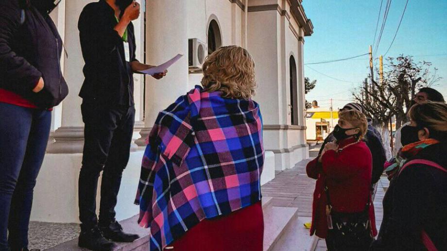 Los feriantes se reunieron en la municipalidad
