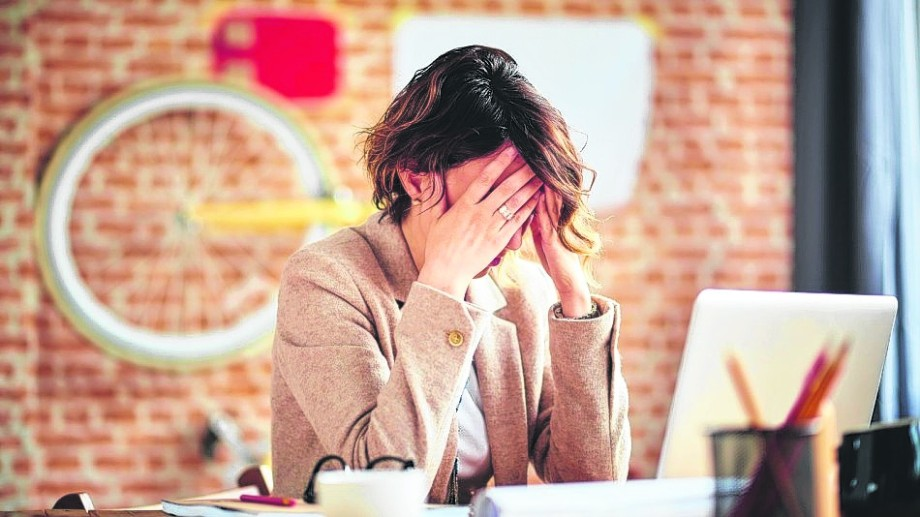 El tipo de dolor de cabeza más común es la cefalea tensional. Es causado por tensión muscular.