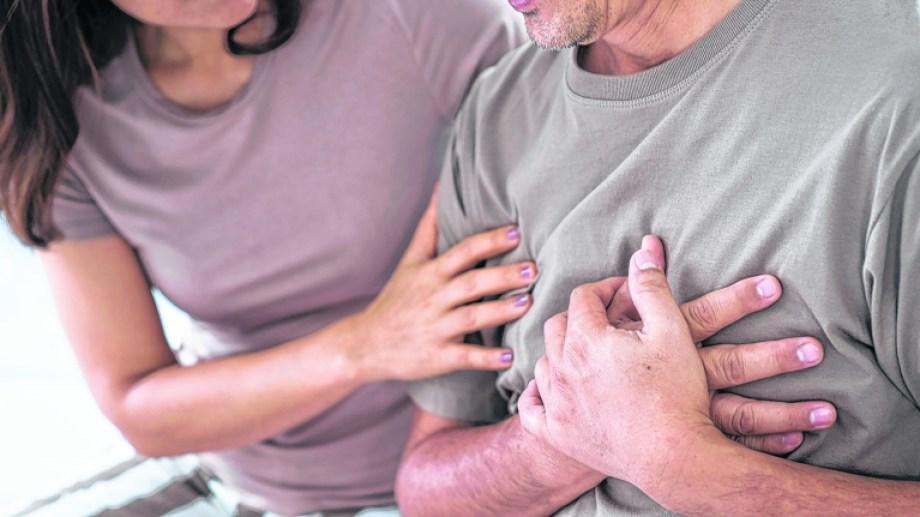 Es importante estar atentos ante los primeros síntomas y no dejar pasar tiempo, asistiendo a la guardia de inmediato.