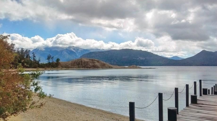 En la bahía de Piedras Blancas en la isla Victoria se desarrollará un parador náutico. Foto Gentileza