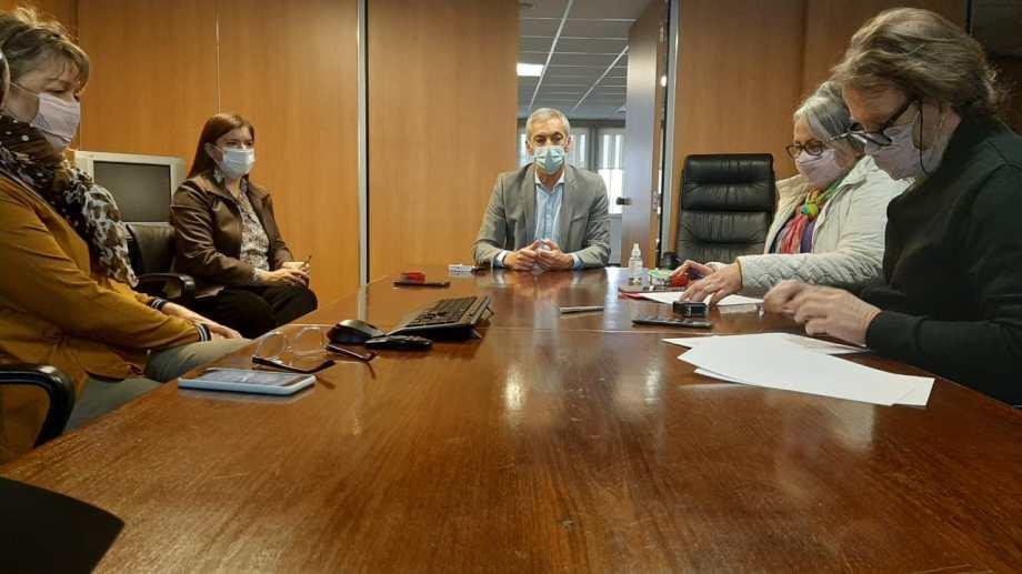 La comisión directiva de ATEN firmó el acta acuerdo este mediodía. Foto: gentileza.