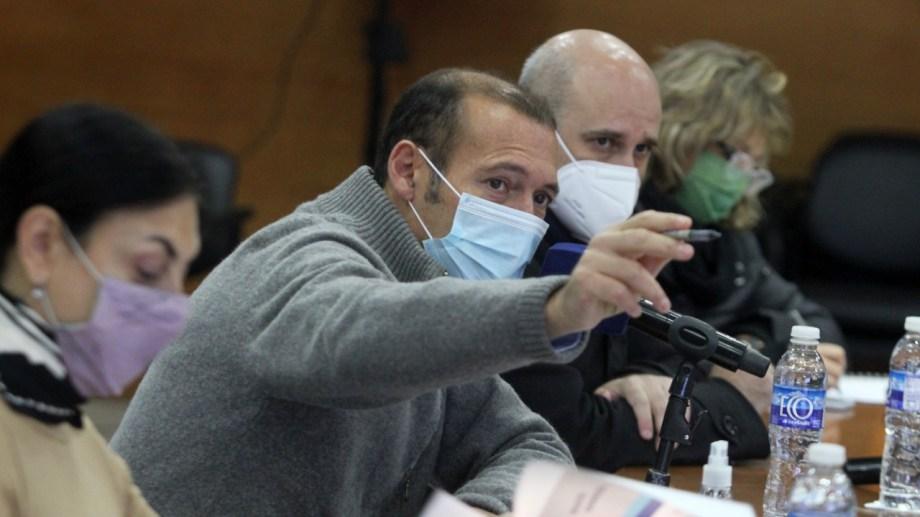 El gobernador de Neuquén destacó el papel de los voluntarios en la campaña de vacunación. Foto: Oscar Livera