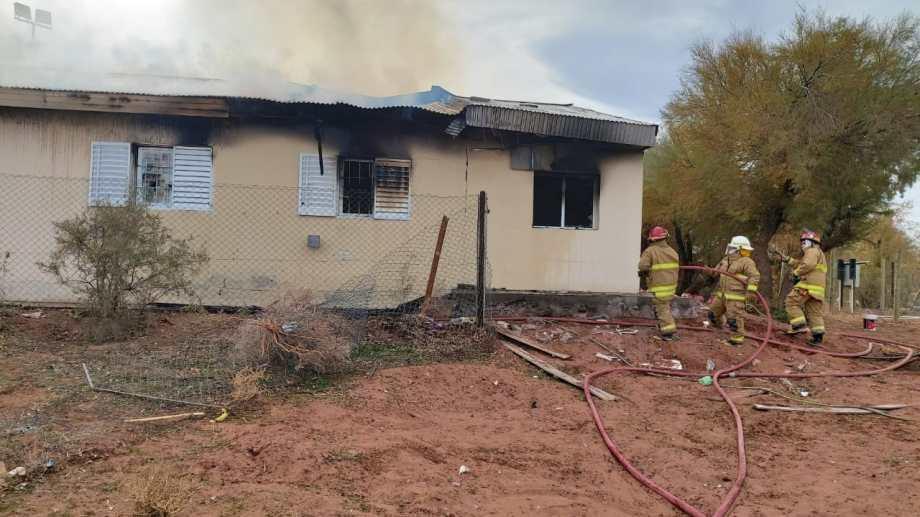 La escuela albergue 144 de Aguada San Roque, a 60 km de Añelo, epicentro de Vaca Muerta. Foto: Gentileza