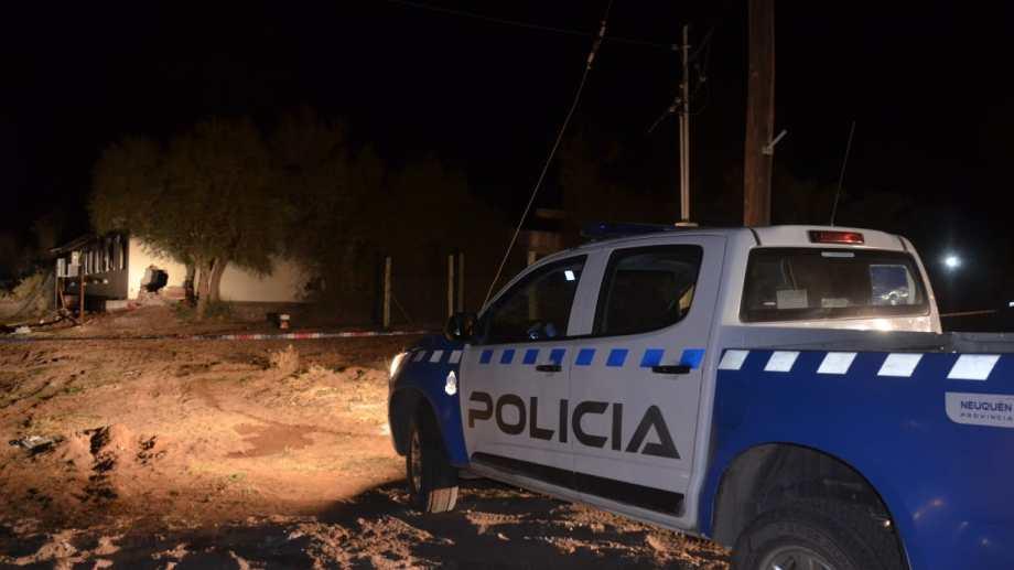 Por orden judicial la policía acordonó el lugar y mantuvo en la noche una guardia .Foto: Yamil Regules