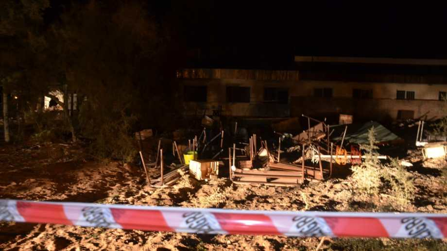 La explosión ocurrió en la escuela hogar del paraje Aguada San Roque, ubicado a 60 kilómetros de Añelo, cabecera de Vaca Muerta. Foto: Yamil Regules