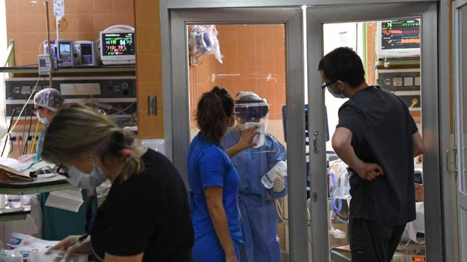 Durante la pandemia se incorporó personal de salud bajo la modalidad eventual. (Foto: archivo Florencia Salto)