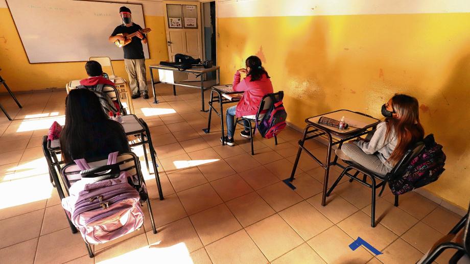 Río Negro tendrá clases presenciales a partir del lunes. Foto: Marcelo Ochoa.