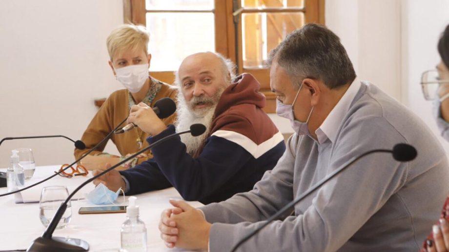 Emilio Pérsico llegó a Bariloche para presentan el programa Empleo Verde junto a Gennuso y García Larraburu. Gentileza Municipio
