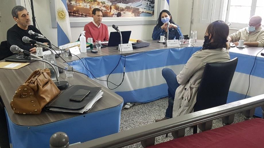Entrevistan a postulantes para el cargo de Juez de Paz titular de Regina. (Foto Néstor Salas)