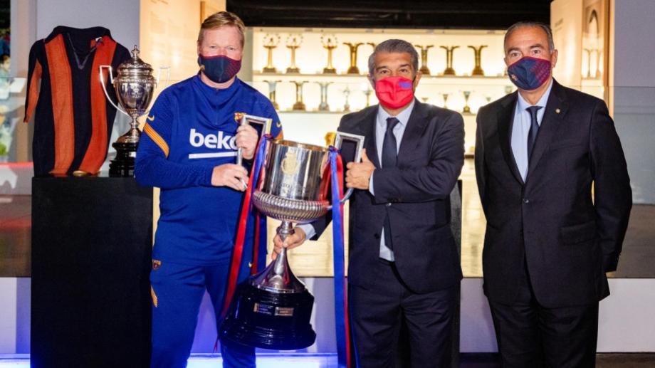 Koeman con Laporta luego de ganar la Copa del Rey.