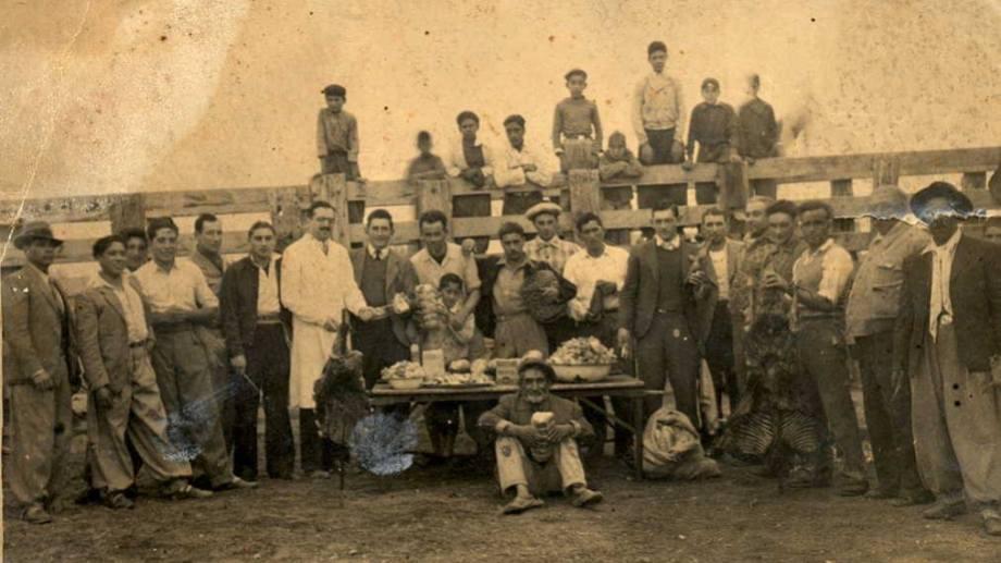 La cría de animales fue una de las actividades principales de la nueva capital neuquina. (FOTO: Gentileza Museo Paraje Confluencia)