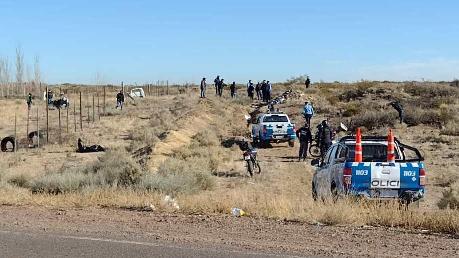 Los delincuentes volcaron cuando intentaban escapar de la policía. (FOTO: Gentileza Canal 8)