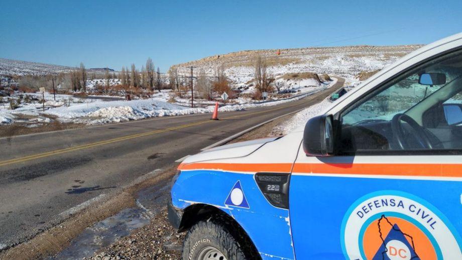 Hay rutas complicadas en Neuquén por hielo y nieve. (Gentileza)