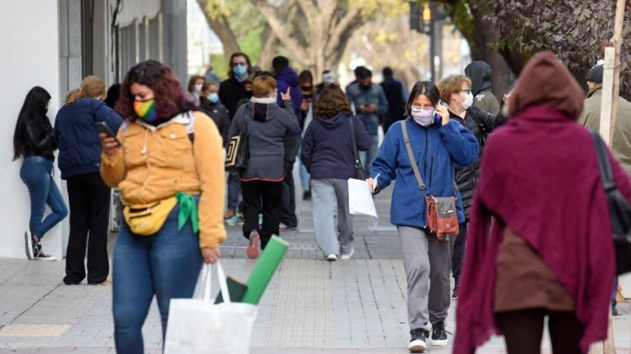 Mañana y el domingo comienza a regir el confinamiento estricto, dispuesto por el gobierno nacional. (FOTO: Florencia Salto)