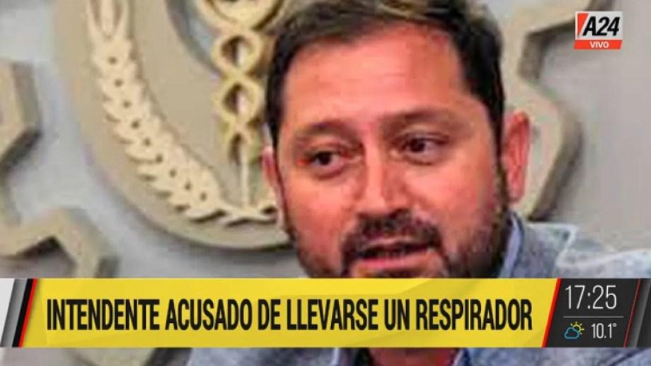 Denuncian al intendente de Lincoln por internarse en Junín con un respirador del hospital municipal.