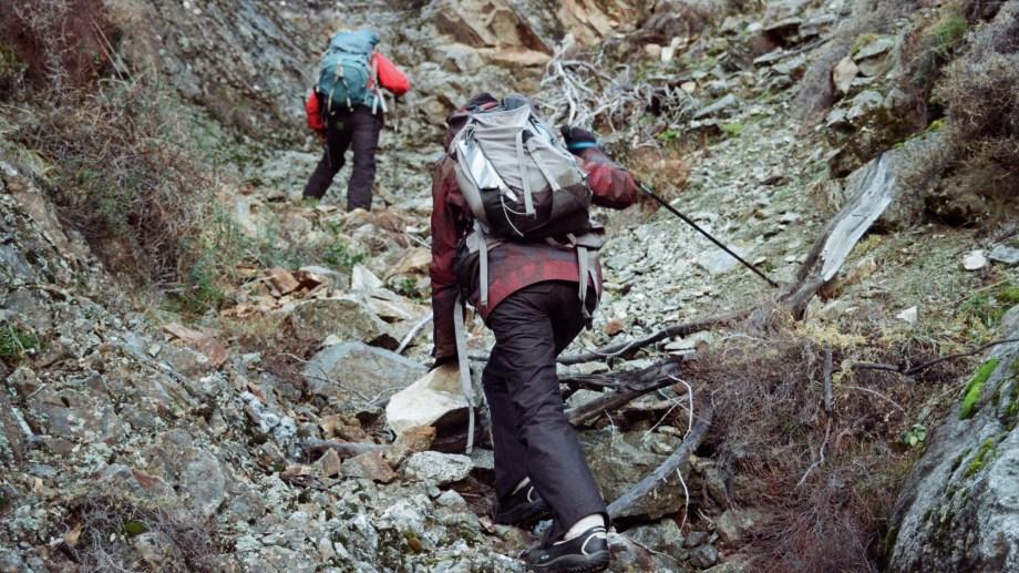 Malen y Suyai Otaño escalaron el cerro Paleta en El Bolsón a 40 años del accidente. Foto: Proyecto Twin Otter.
