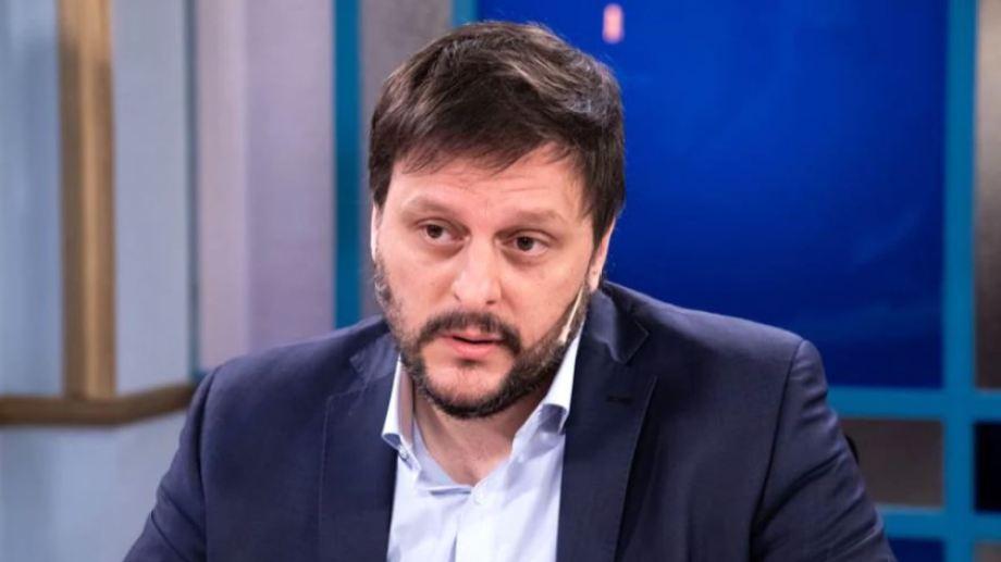 """Leandro Santoro: """"Si alguien me ofrecía la vacuna, lo agarraba a trompadas""""."""