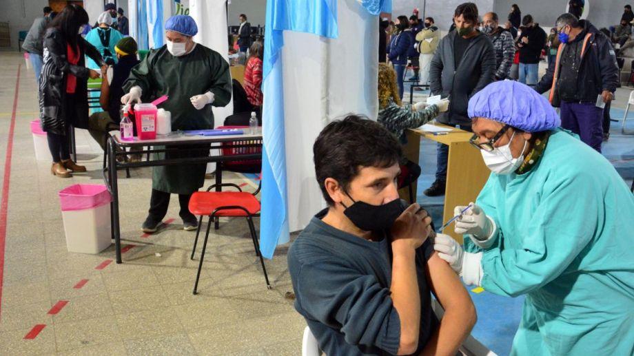 La vacunación se extenderá durante todo esta semana. Foto Marcelo Ochoa