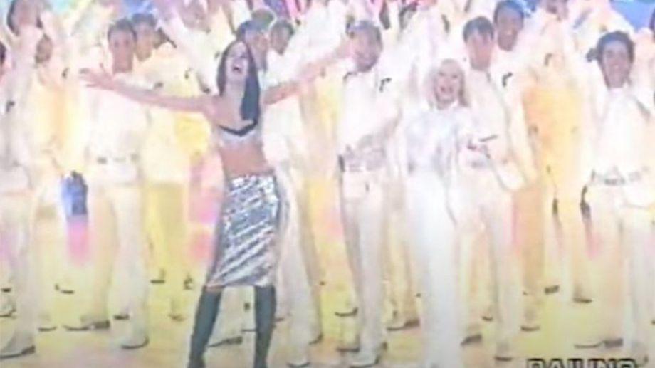 Oreiro compartió escenario con Rafaela Carrá en la televisión italiana.-