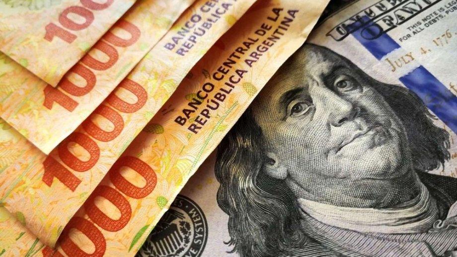 Histórica dependencia. Desde hace décadas el dólar es el centro de la dinámica macroeconómica argentina.