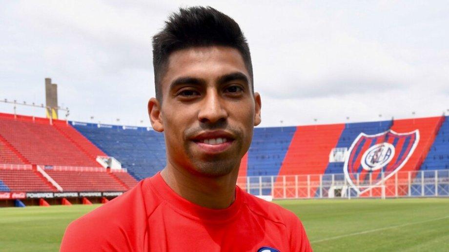 Juan Ramírez brilló en Talleres y luego pasó a San Lorenzo, donde es uno de los volantes ofensivos.