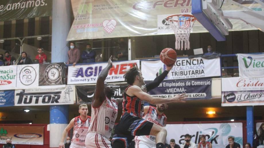 Depo Viedma perdió con Quilmes en el Ángel Cayetano Arias. Fotos: Pablo Leguizamón