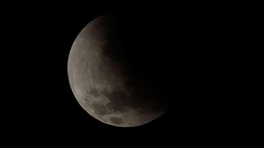 La Luna ha sido protagonista de diversos espectáculos espaciales en los últimos meses. Foto: Alejandro Carnevale.-