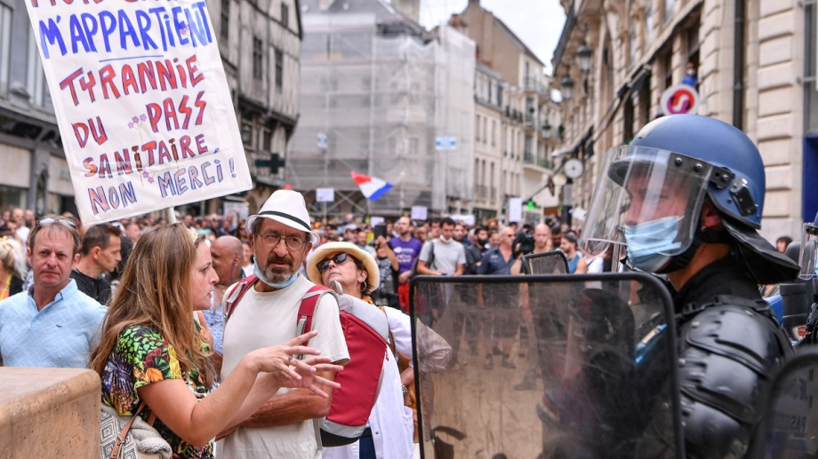 Las manifestaciones se repitieron también en otras ciudades de Francia, informó la agencia de noticias DPA.