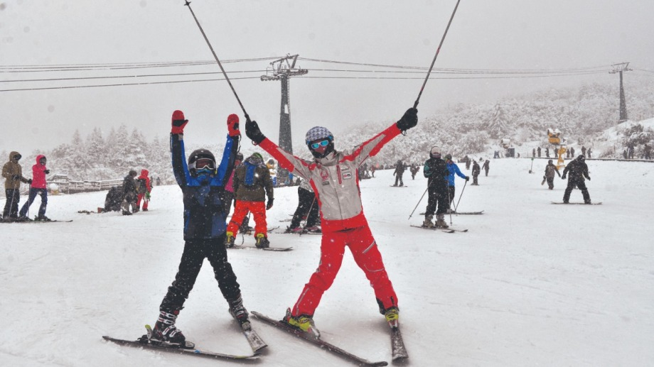 El centro de esquí del cerro Catedral es el principal atractivo para atraer turistas esta temporada. Foto: archivo