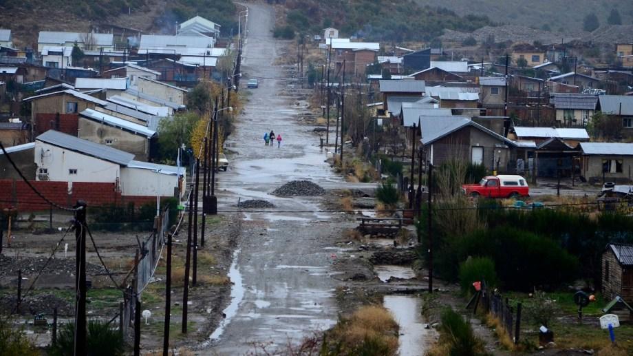 El municipio de Bariloche ya empezó a trabajar en el terreno en el barrio Nuestras Malvinas. Foto: Alfredo Leiva