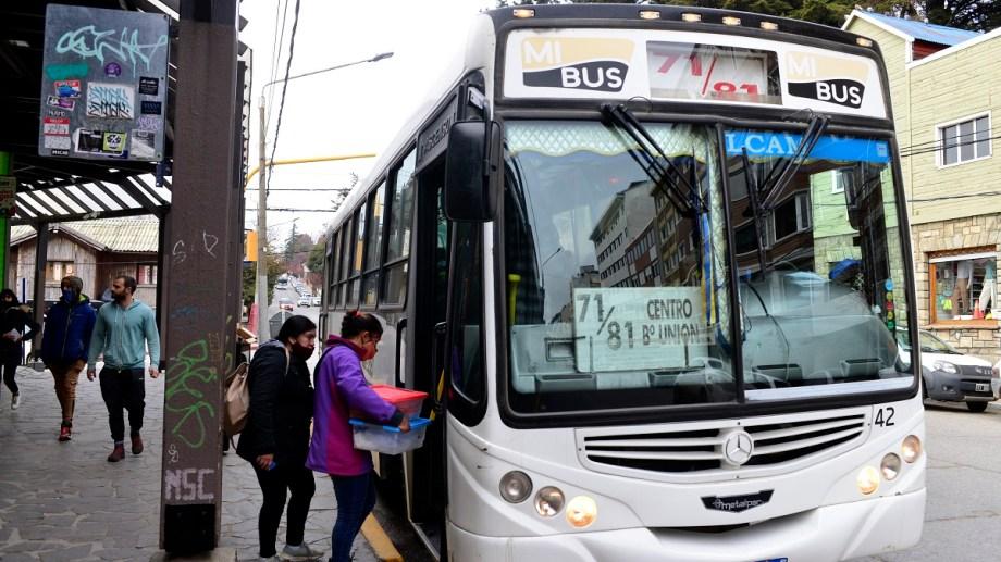 El municipio de Bariloche quiere implementar en esta gestión los cambios en el sistema de transporte urbano. Foto: Alfredo Leiva