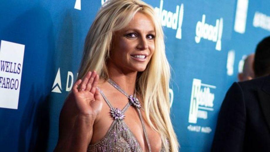 Britney anunció que abandona los escenarios.