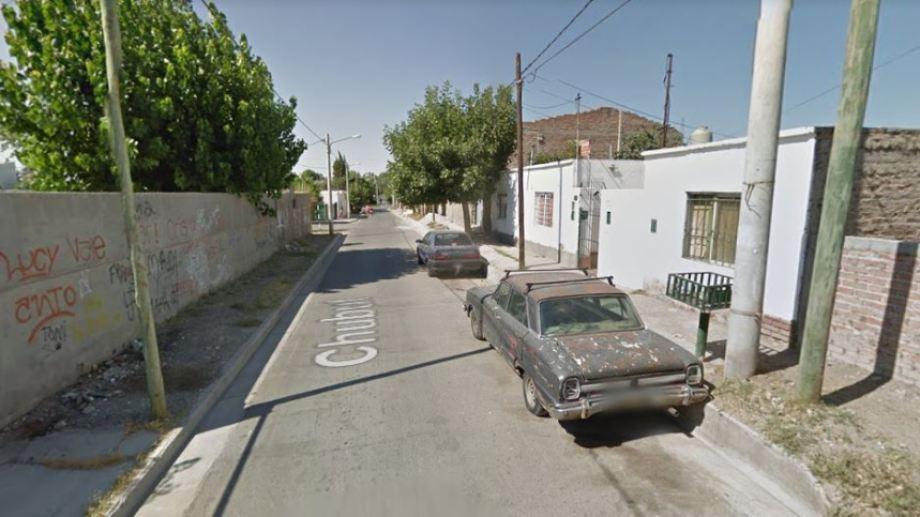 El homicidio ocurrió en un taller de la zona de Chubut al 1.100. (Captura).-