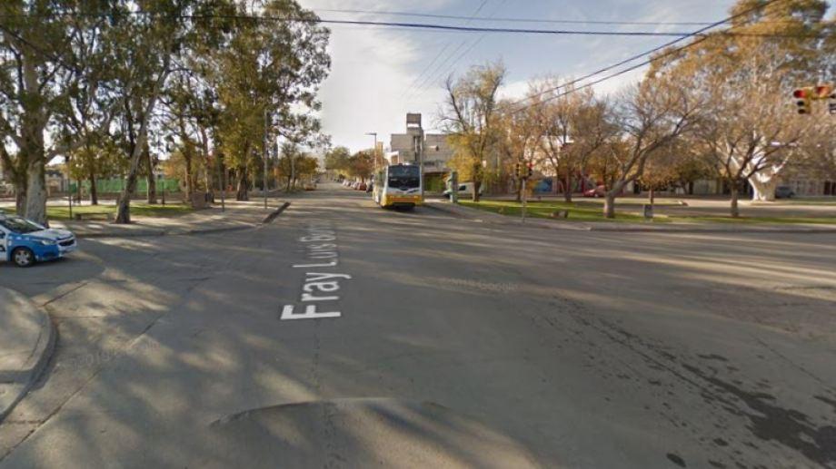 Aseguran que el ataque a los vehículos ocurrió en la zona de la Avenida Olascoaga y Richieri/Luis Beltrán. (Captura).-