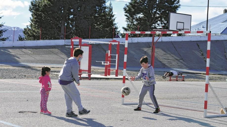 Las actividades al aire libre están entre las preferidas por los chicos en vacaciones. Foto: Alfredo Leiva