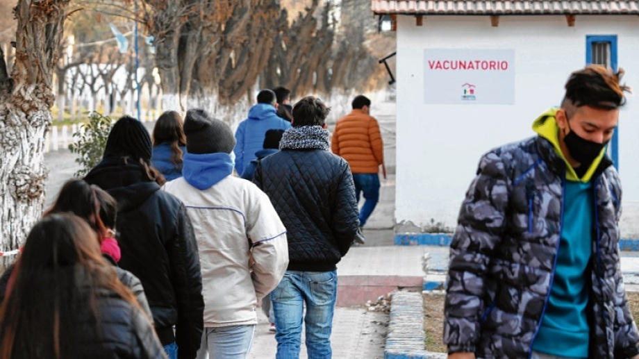 Martes, miércoles, jueves y viernes; el vacunatorio funcionará sin turnos programados. Foto: Juan Thomes