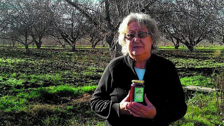 Aurelia comenzó a elaborar dulces luego de jubilarse de su trabajo en la Escuela Primaria Rural N° 77.