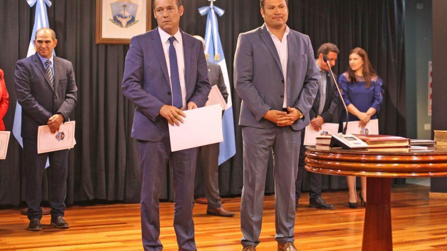 Gutiérrez y Llancafilo durante la segunda asunción del gobernador. Foto: Juan Thomes