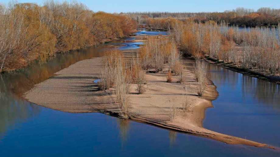 Desde la Autoridad Interjurisdiccional de Cuencas se alertó sobre el bajo nivel de agua. (Foto Juan Thomes)