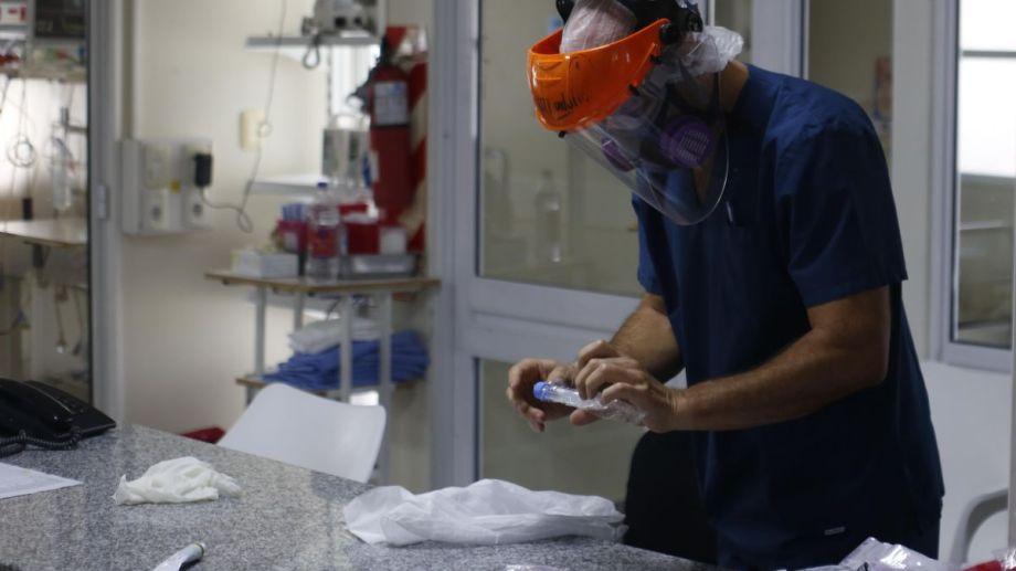 Los pacientes activos en Río Negro son 669. (Foto: Juan Thomes)