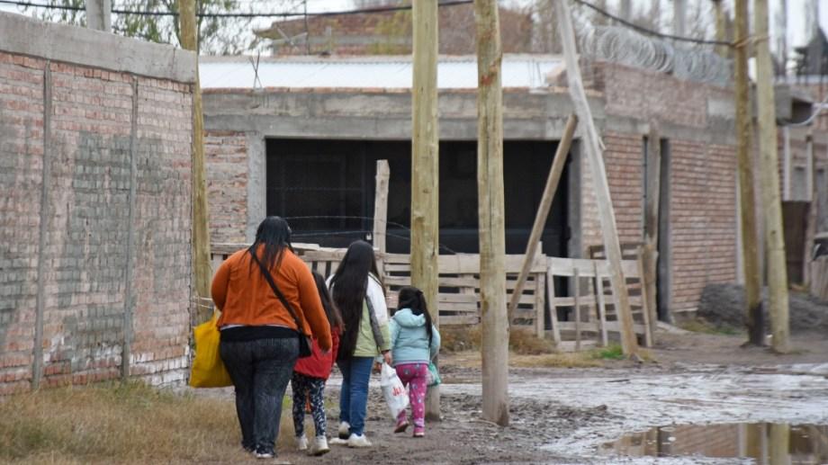 En Neuquén estarían alcanzadas por el programa de reconocimiento de aportes por tareas de cuidado unas 2.800 mujeres. Foto Florencia Salto.