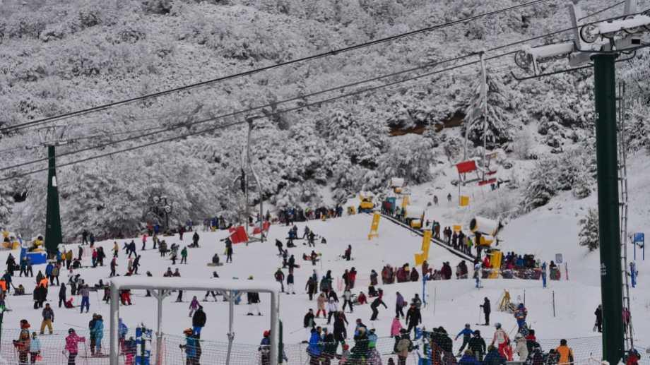 Este viernes, comenzó la temporada invernal en Bariloche. Foto: Chino Leiva