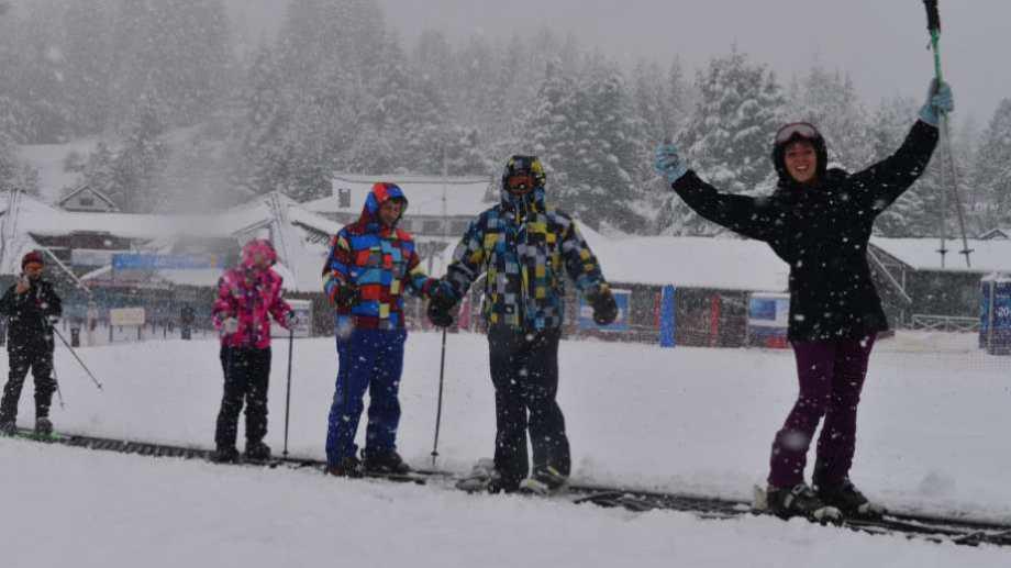 Hay 30 centímetros de nieve en la base del cerro Catedral. Foto: archivo