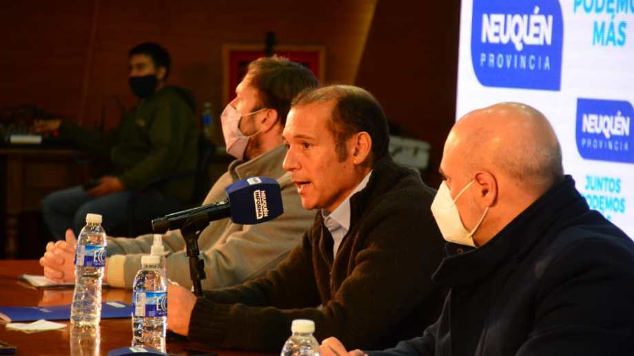 El gobernador en la presentación del Corredor Productivo del Viento. Foto: Yamil Regules.